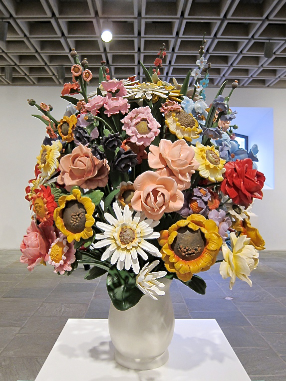 Large Vase of Flowers, 1991, Polychromed wood, 52 x 43 x 43 in. (132.1 x 109.2 x 109.2 cm), Edition no. 2/3, Collection Norman and Norah Stone. Photo: © Lidia Guibert Ferrara