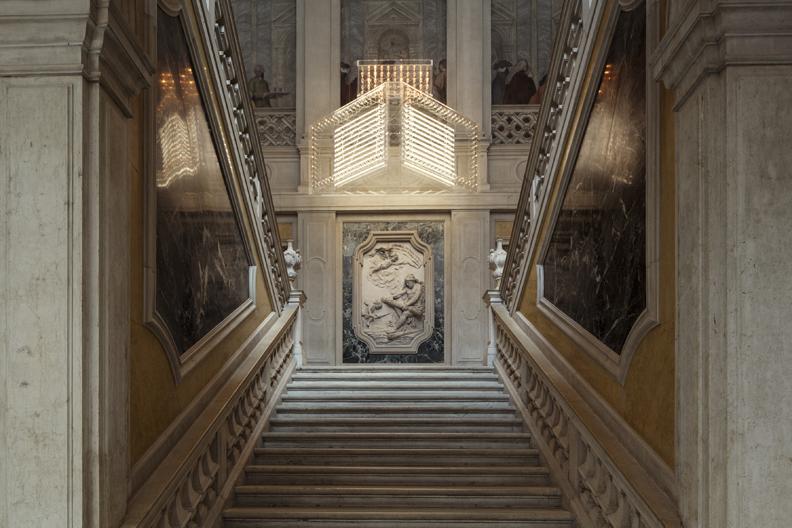 Philippe Parreno, Marquee, 2013 Courtesy the artist and Galerie Esther Schipper, Berlin, Pinault Collection. Installation view at Palazzo Grassi 2014 Photo: © Palazzo Grassi, ORCH orsenigo_chemollo