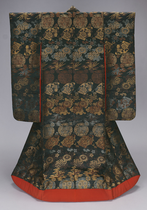 76. Over Robe with Fans, Phoenixes, Chrysanthemums, and Floral Hexagons