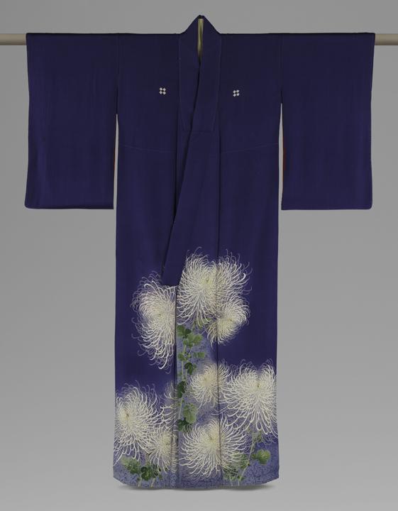 85. Kimono Ensemble with Chrysanthemums