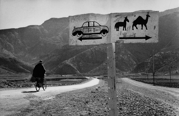 1. Riboud_Road to Khyber Pass