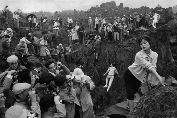2. Riboud_Photography Fair 150 Kilometers from Tokyo