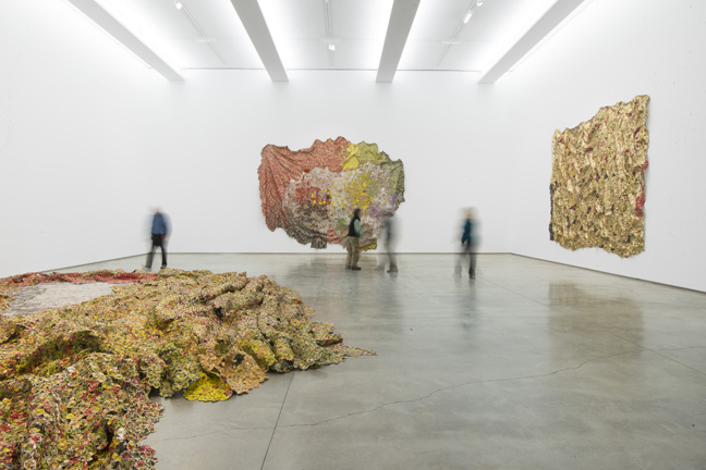 EA12.004 EA11.013 EA06.006 (installed 2015 El Anatsui FiveDecades TheSchool) HR (5)
