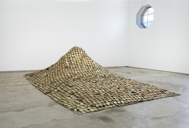 EA99.001 Peak Project (installed 2015 El Anatsui FiveDecades TheSchool) HR (2)