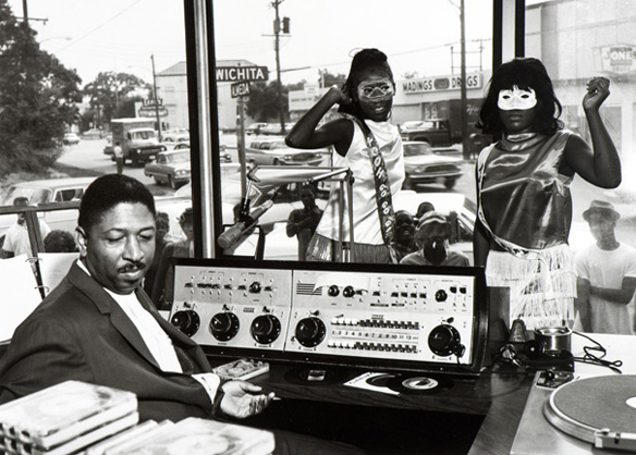 4 KCOH disc jockey Skipper Lee Frazier and go-go girls, Houston, 1965. Copyright Benny Joseph.1D1B.1