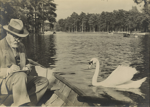 Pierre Matisse photograph of his father, Henri Matisse sketching a swan in the Bois de Bologne, Pierre Matisse Gallery (New York, N.Y.) Pierre Matisse Gallery archives, 1903-1990 MA 5020
