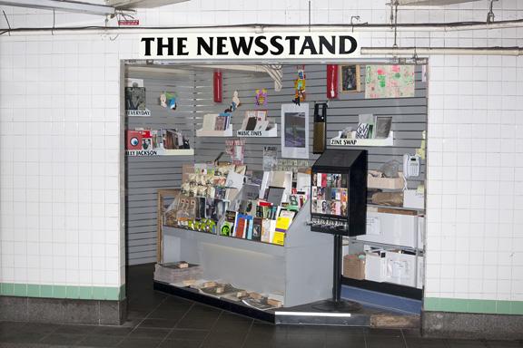 moma_newphoto2015_saveri_newsstand_1