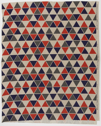 Triangles Textile 1952 Designed by Alexander Hayden Girard (American, 1907Ð1993) Manufactured by Herman Miller Textiles (Zeeland, Michigan, USA) Screen-printed linen Warp x Weft (A): 146.1 * 120 cm (57 1/2 * 47 1/4 in.); Warp x Weft (B): 146.1 * 116.2 cm (57 1/2 * 45 3/4 in.) Gift of George R. Kravis II, 2016 5 28 Photo: Matt Flynn © Smithsonian Institution