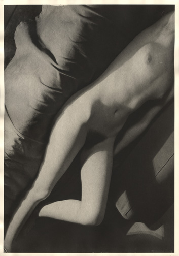 Moholy-Nagy Nude positiv hi res
