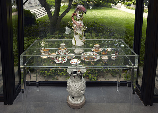 39_Porcelain_instal_table_2000