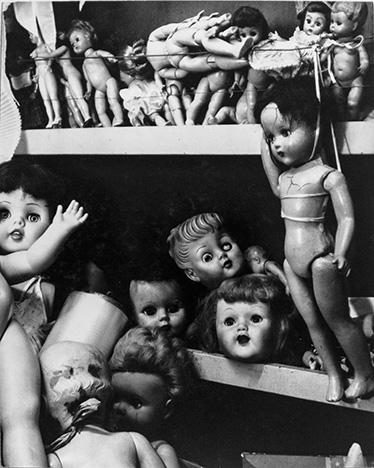 9. From the series Una noche en el sanitorio de muñecas [One Night at the Dolls' Hospital], 1962