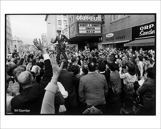 Senator Robert F. Kennedy campaigning outside the Orpheum Theater in Sioux City, Iowa, 1966. Photo: Bill Eppridge