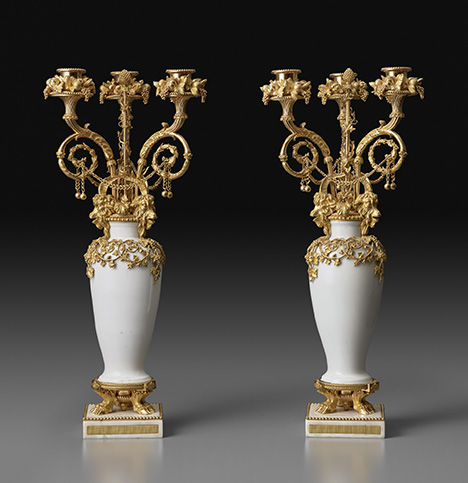 5_cat_21a_candelabras-with-meissen-duc-daumont_2000