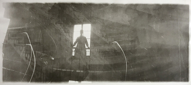 dtf019_silhouette-on-banister_300