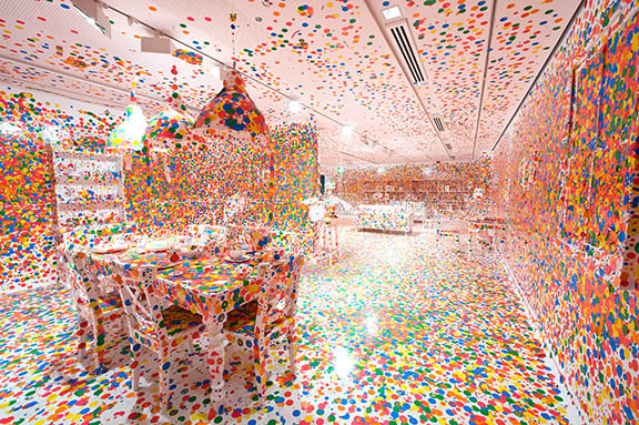 kusama-obliteration_room-2012-098_008