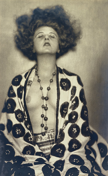 3. Madame d'Ora, Actress and dancer Elsie Altmann-Loos, 1922. Photostudio Setzer-Tschiedel, Vienna