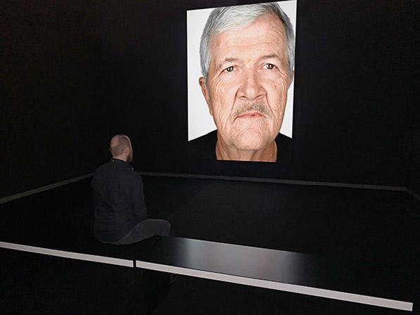 Martin Schoeller - Gary Drinkhard, 2019, video and sound installation, total running time 16_31 minutes. © Martin Schoeller